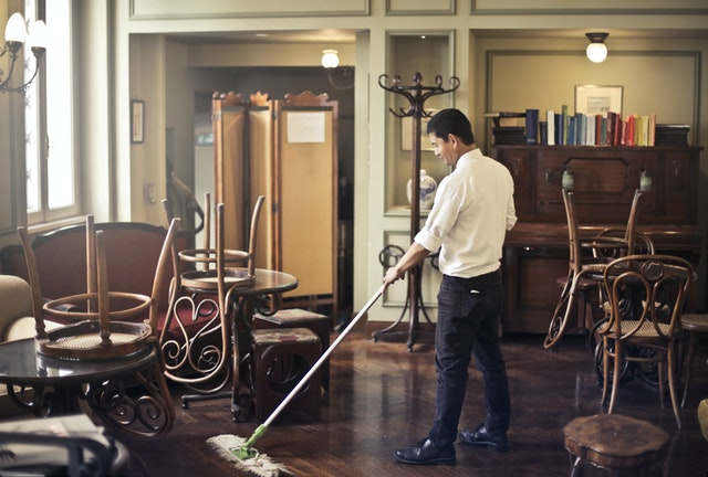 5 Tips To Make Cleaning In Your Restaurant Easier