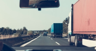 Maintenance Tips to Keep Your Semi-Truck Trailer Running Longer
