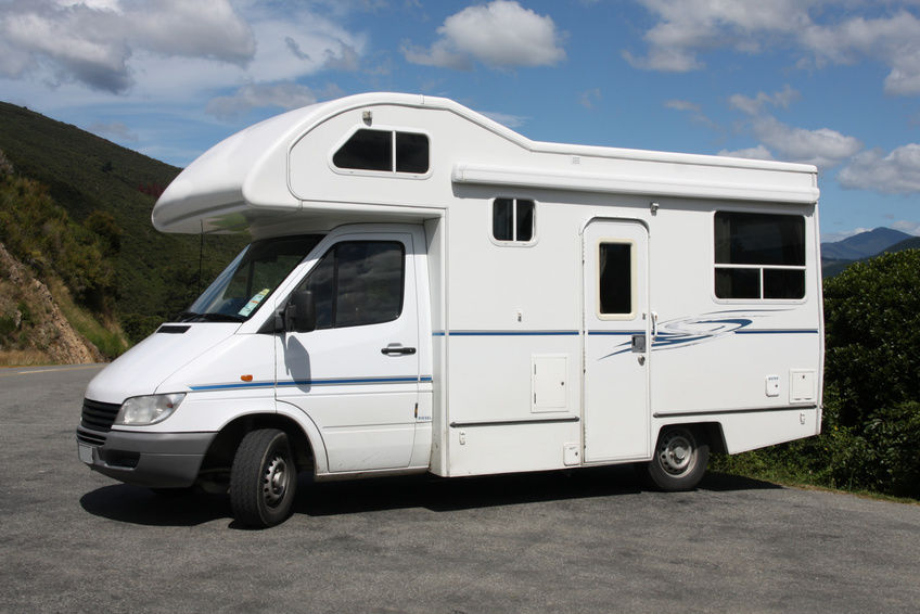 An Ultimate Guide To Buying RVs - Bring The Best RV In The Price You Can Afford!