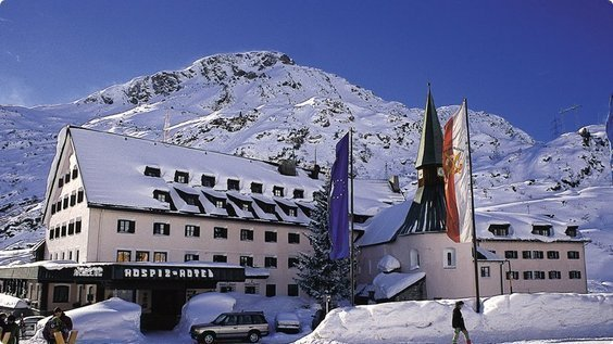 The 8 Best Luxury Ski and Spa Hotels