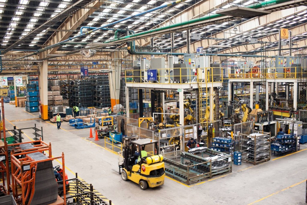 Mexico's Manufacturing Industry Grows, Surpassing Canada
