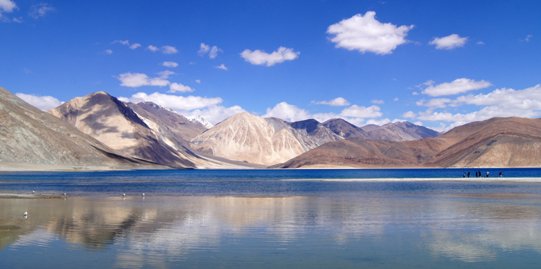 Top 5 Places To Visit In The Land Of Jammu and Kashmir