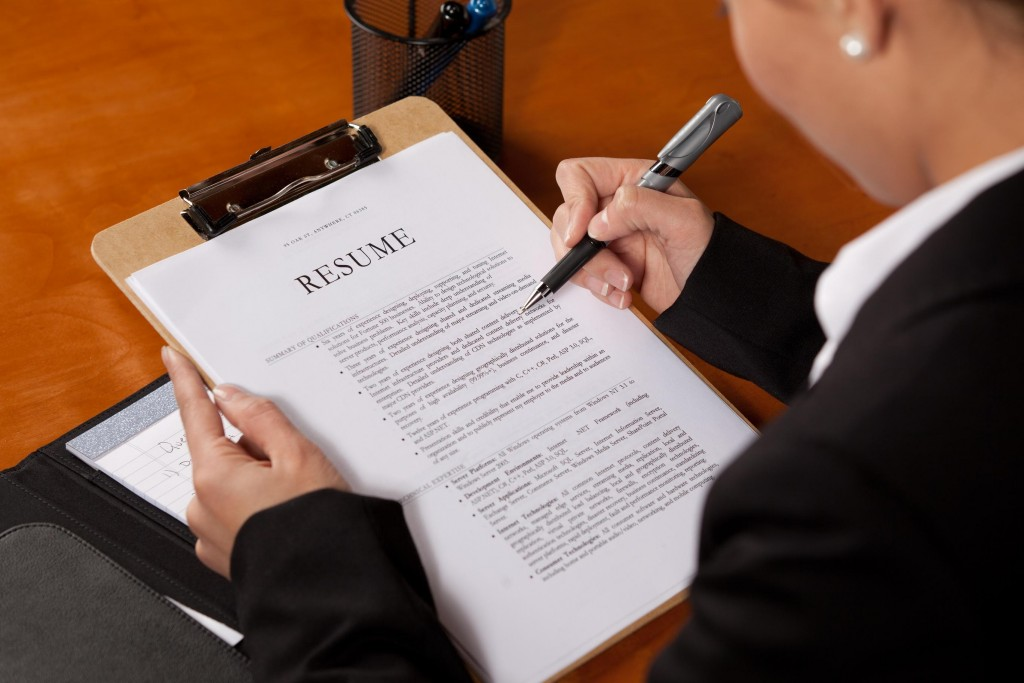 6 Effective Tips To Make Your Resume Awesome!