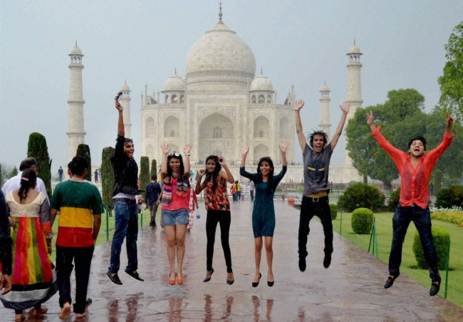What Is The Taj Mahotsav All About