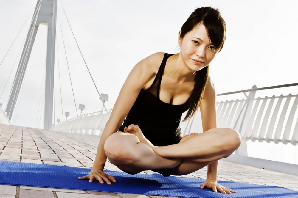 10 Practical Tips To Prevent Wrist Injuries When Doing Yoga