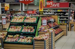 How To Create An In-Store Atmosphere That Draws More Customers
