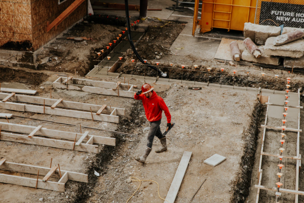 How to Find Affordable Equipment When You're Starting A Contracting Business