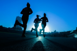4 Ways to Meet Your Summer Fitness Goals This Year